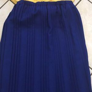 Pretty vintage pleated skirt